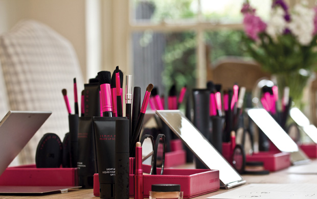 Jemma Kidd make-up school