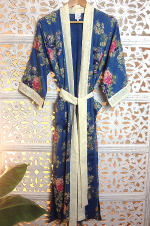 PArisian ROse dressing gown